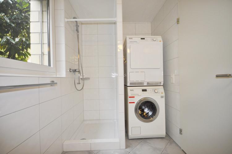 Sep. Dusche / Waschturm
