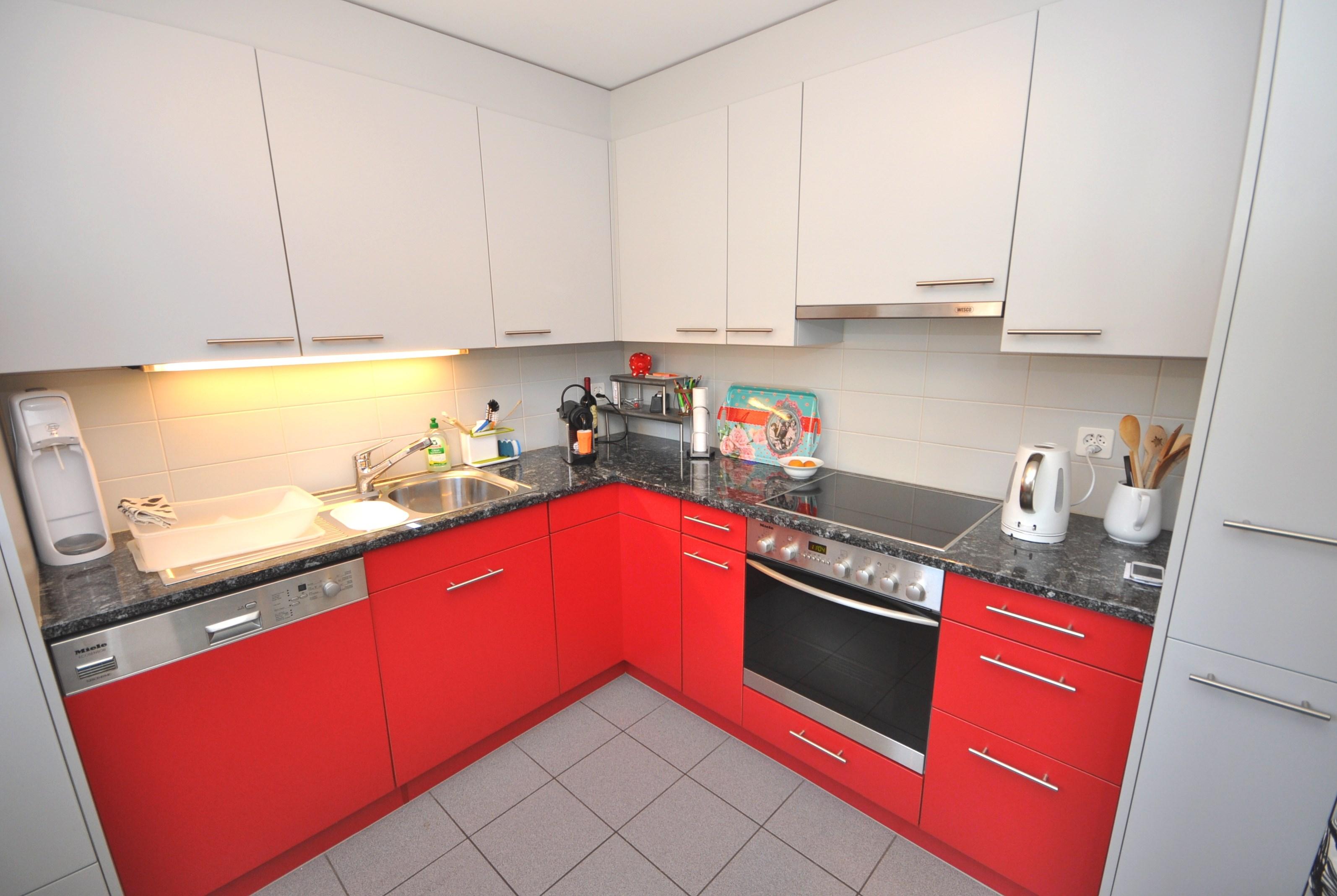 Moderne Piatt-Einbauküche