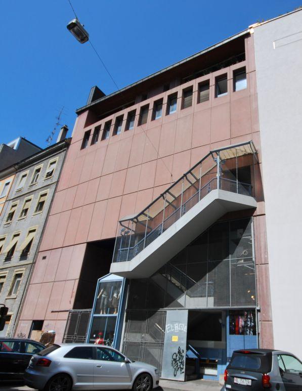 Hinterfassade bei Birsigparkplatz