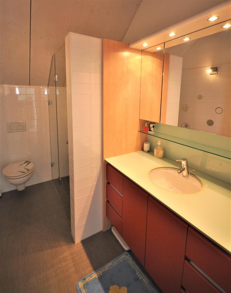 Dusche/WC/Waschtisch im Dachgeschoss