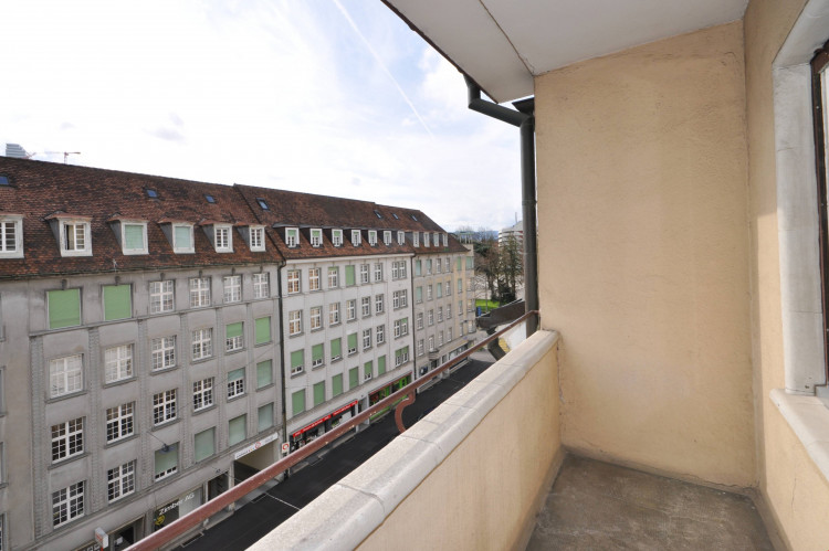 Balkon Strassenseite