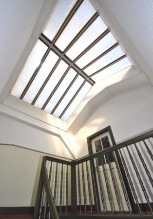 Treppenhaus zu Estricheingang